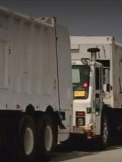 De $78.000 millones que gastó Petro en camiones de basura, han recuperado $3.630 millones