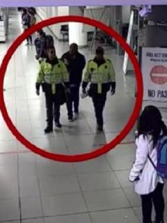 Señalado narco al que Policía dejó 'volar' en aeropuerto dice que es agente encubierto