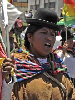 EE. UU. se las da de 'papá' de todos y urge a Bolivia respetar voto de la ciudadanía