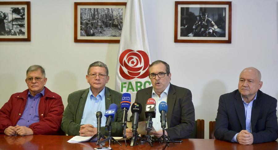 Rodrigo Granda, Pablo Catatumbo, Rodrigo Londoño y Julián Gallo