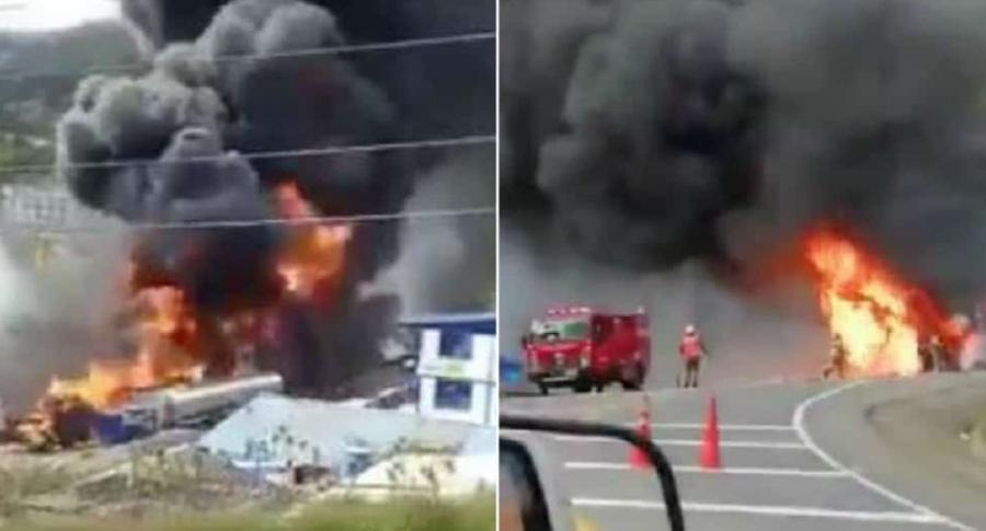Incendio de tractomula en vía al Llano