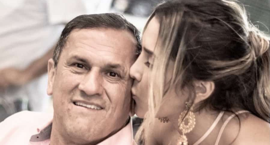 Daniela Ospina, modelo, y su fallecido padre, Hernán Ospina.