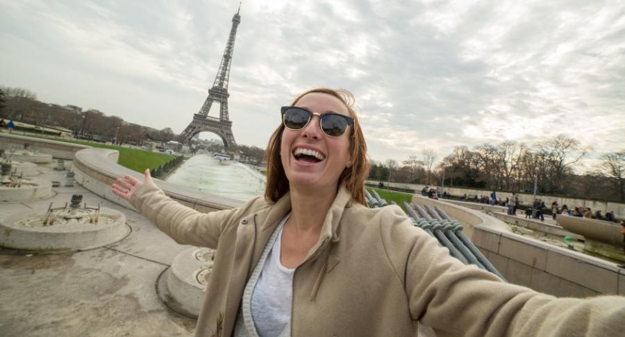 Mujer en París, Francia.
