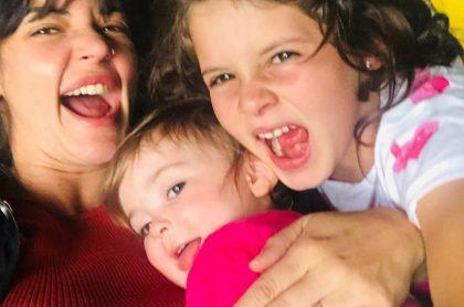 'Maleja' Restrepo y sus hijas Macaranea y Guadalupe
