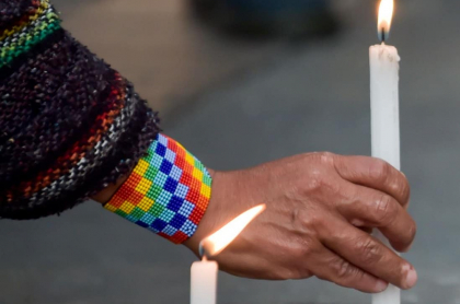 Velatón por asesinato de líderes indígenas