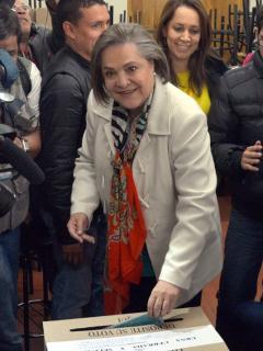 Clara López