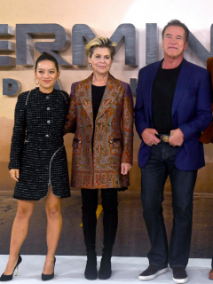 Natalia Reyes, Linda Hamilton, Arnold Schwarzenegger, Mackenzie Davis y Gabriel Luna