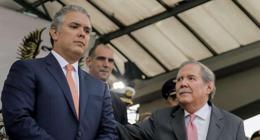 Presidente Iván Duque y el ministro de Defensa, Guillermo Botero