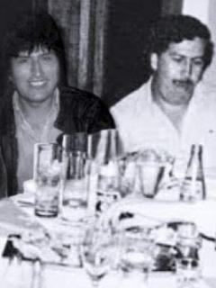 Foto de Evo Morales con Pablo Escobar es tan falsa que hasta Britney Spears sale en ella