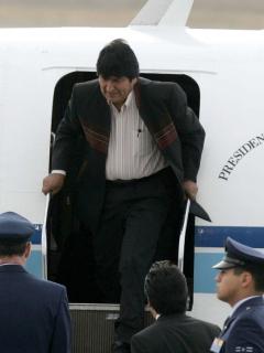¡Evo se va de Bolivia! México anuncia que le concedió asilo político