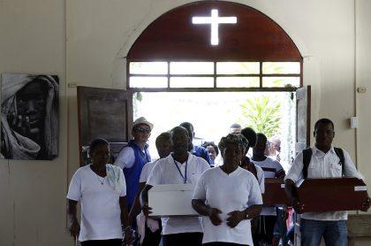 Bojayá recibe restos de víctimas de masacre de 2002