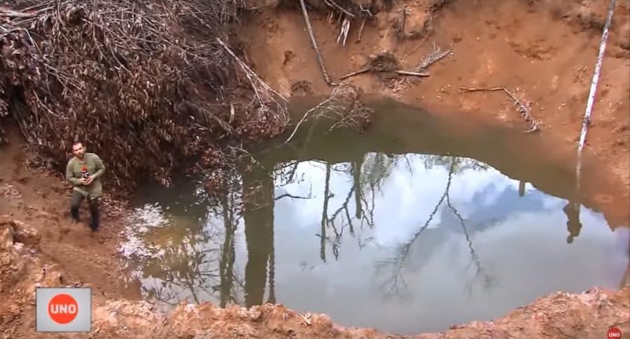 Cráter que dejó una de las bombas del operativo contra 'Gildardo Cucho'