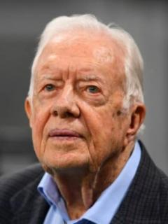 Operan a expresidente de EE. UU. Jimmy Carter por una hemorragia cerebral