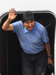 [Fotos] Evo Morales ya está en México; así fue su llegada