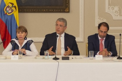 Duque, Alicia Arango y José Manuel Acevedo