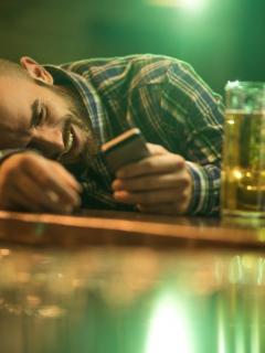 ¡No más trabas! Ahora sí castigarán a quien llegue drogado o embriagado al trabajo