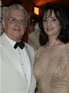Nueva canciller y su familia entregaron millonarios aportes a la campaña de Duque