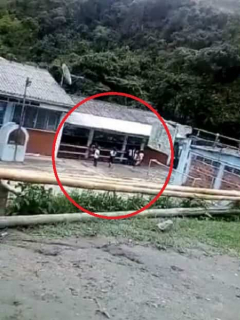 [Video] Niños quedan atrapados por enfrentamiento a bala cerca de escuela, en Cauca