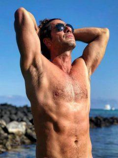 Gregorio Pernia revivió desnudo que publicó a sus 40 años y busca ideas para los 50