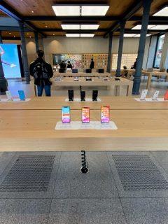 Empleado de Apple robó fotos íntimas de mujer mientras le arreglaba el iPhone