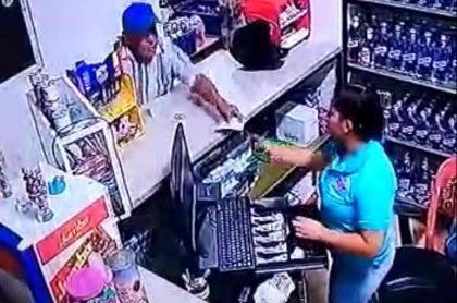 Robo en supermercado