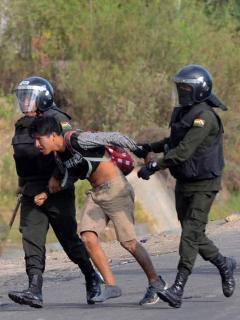 ¿Dictadura? Eximen a militares bolivianos de juicio por reprimir protestas; van 23 muertos