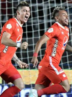 [Fotos] Rangel les celebró gol del triunfo en la cara a suplentes del Deportivo Cali