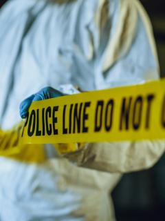 Cuatro muertos, dejó ataque a residencia donde una familia veía fútbol, en EE.UU.