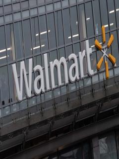 Tres muertos, deja tiroteo en un Walmart de Estados Unidos