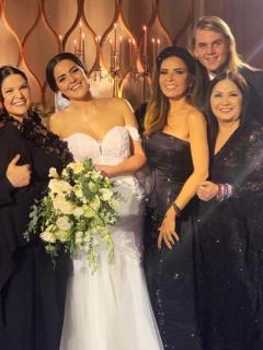 [Video] Se casó hija de Ana Gabriel y reemplazó marcha nupcial por voz de la cantante