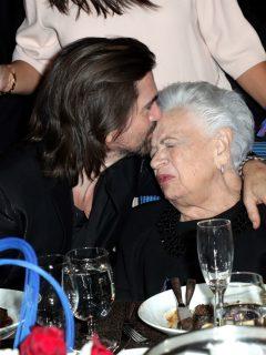 [Video] ¡Para derretirse! Mamá de Juanes baila el nuevo reguetón que hizo su hijo