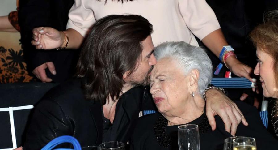 Juanes y su mamá Alicia