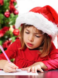 """""""iPhone 11, una GoPro, 4.000 dólares…"""": la codiciosa lista de una niña para Navidad"""