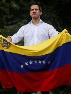 Guaidó se juega el pellejo y quema sus últimos cartuchos para sacar a Maduro