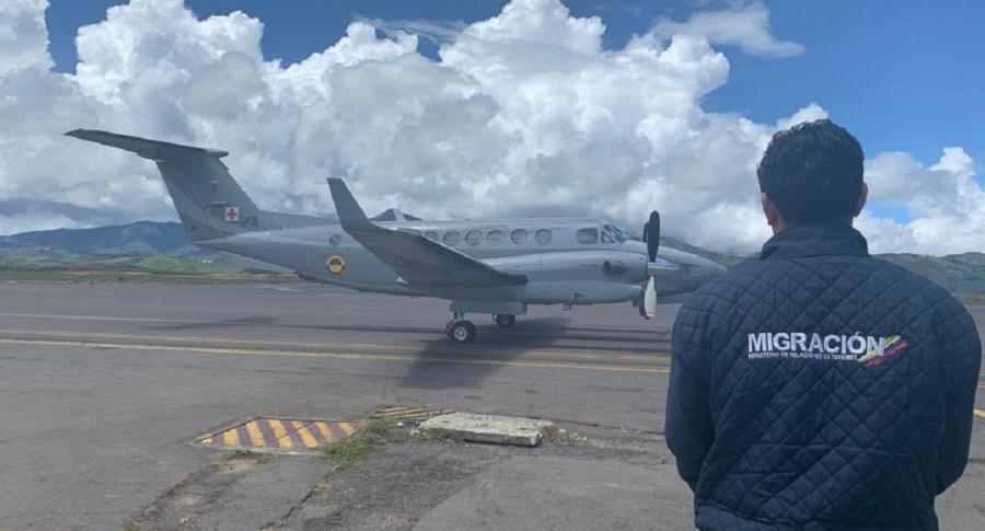 Oficial de Migración Colombia