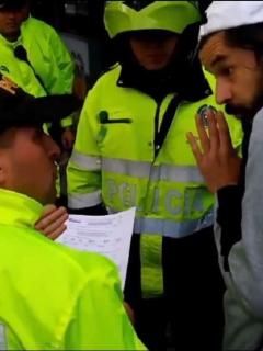 "[Videos] Policía allanó por ""terrorismo"" a revista cultural para buscar material del paro"