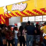 Filas en inauguración de Frisby en Chocó.