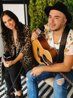 Incómodo encuentro entre vocalista de Siam y su ex en entrevista con 'Juanpis González'
