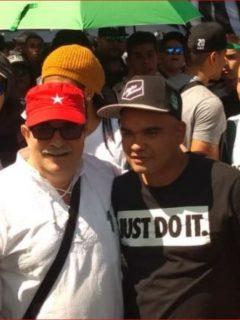 """[Video] 'Timochenko' sale a marchar, le piden fotos y hasta le dicen """"comandante"""""""