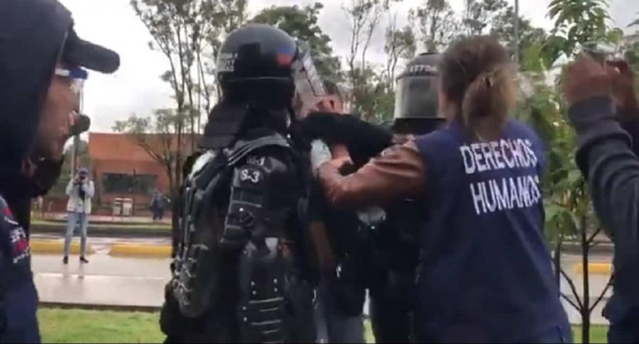 Enfrentamiento Esmad y defensores DD.HH.