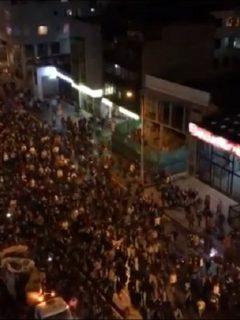 En imágenes, 'cacerolazo' conmovió tanto que en las calles se armó una nueva marcha
