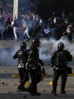 Encapuchados atacan con armas de fuego al Esmad, en el sur Bogotá