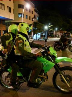 Mindefensa dice que de 3 muertos en protestas 2 se enfrentaron a policías en saqueos