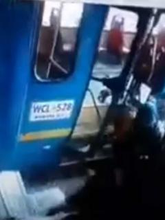 Video muestra el momento en que trabajadores de ARA reciben impacto del SITP robado