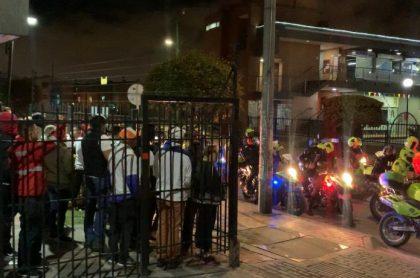 Personas en el barrio El Tintal.