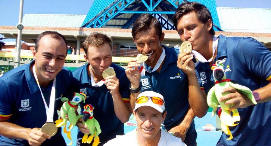 Bogotá oro en tenis por equipos.