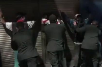 Policía en operativo para deportar venezolanos
