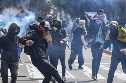 Encapuchados en manifestaciones
