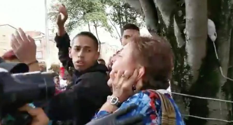 Señora grita que Dilan se suicidó