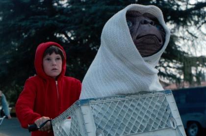 E.T. y Elliot
